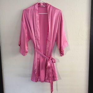 Short Satin VS Kimono/Robe